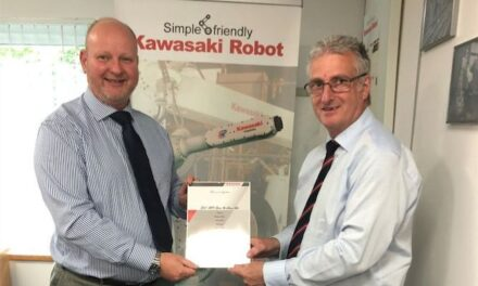 Glass experts see clear advantages with Kawasaki robots